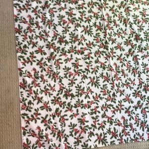 Vintage Christmas Holiday Tablecloth - red & green